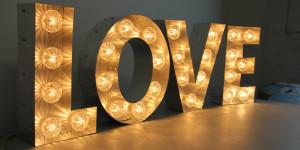 Светещи букви – изработка и монтаж
